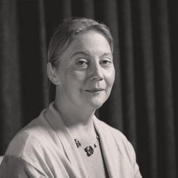 Марина Ненадовић